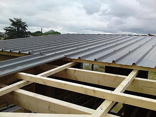 comment poser toit bac acier ? la réponse est sur admicile.fr